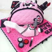 Picture of Pink Bag and Shoe Cake