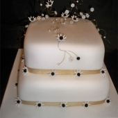 Picture of Black Daisy Wedding Cake