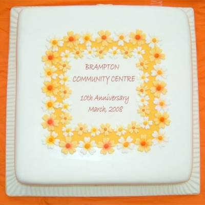 Picture of Daisy Anniversary Cake